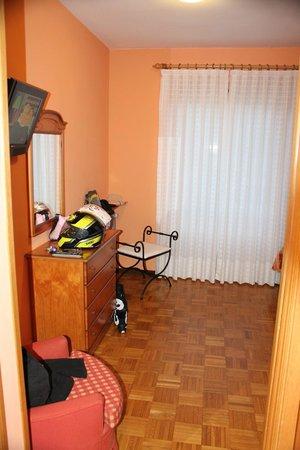 Hotel Escalar : habitacion amplia