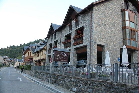 Hotel Escalar: parking cubierto