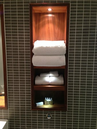 Fraser Suites Edinburgh: Baño