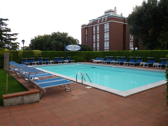 Hotel Benaco : the swiming pool