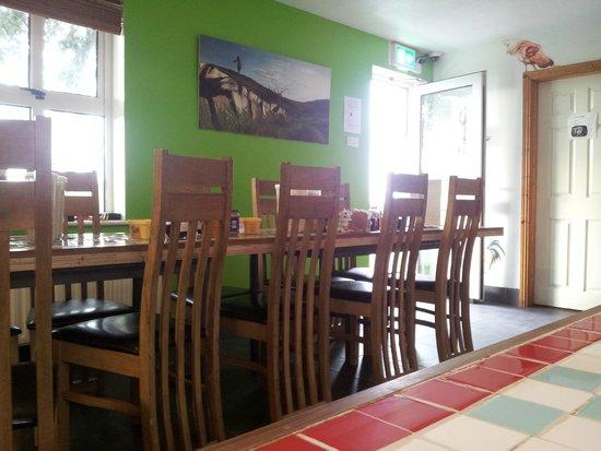 Kilronan Hostel: The kitchen