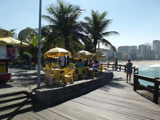 Mirante Do Leblon: Belo deck, bares, estacionamento e visão privilegiada