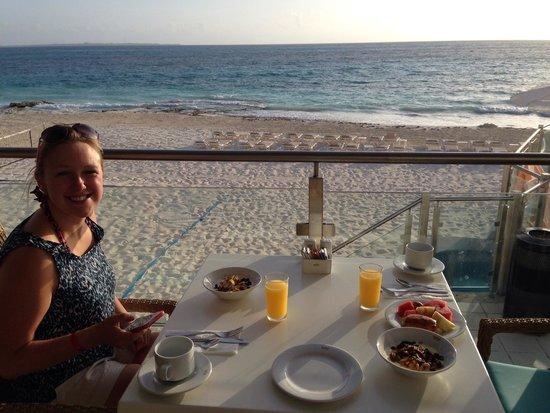 Hotel Riu Cancun: Breakfast with a view