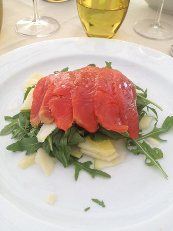 Antica Torretta: Smoked Salmon with Parmesan, rocket and apple
