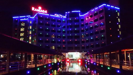 Ramada Alleppey: Night view from lake