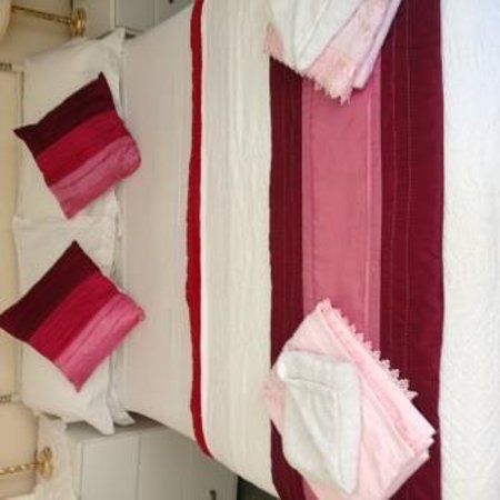 Jubilee Guest House: Typical Bed