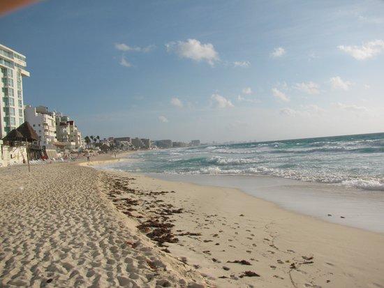 Oleo Cancun Playa : Loo 12 mins · Like · 4  Jessgie Ace Haha baka pwede makikaen xD 10 mins · Like  Aj Ti Bali