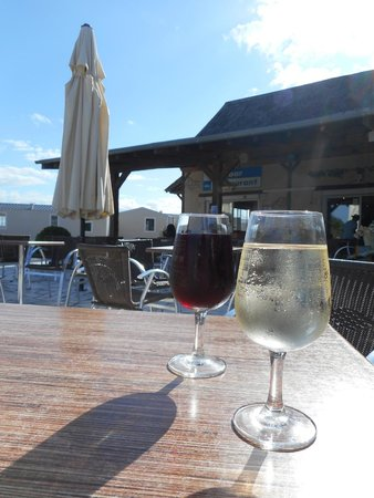 Siblu Villages - Domaine de Dugny : Bar Area