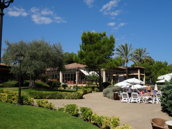 Vell Mari Hotel & Resort: Hotel grounds