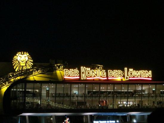 Hamburg Hotel Und Musical Konig Der Lowen