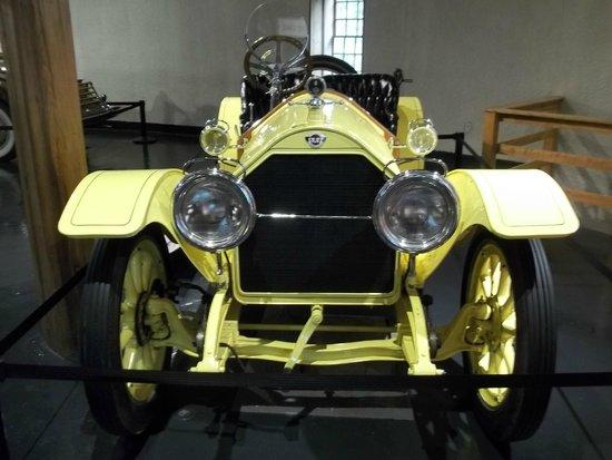 Heritage Museums & Gardens : car exhibit