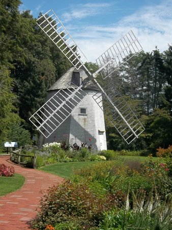 Heritage Museums & Gardens: real windmill