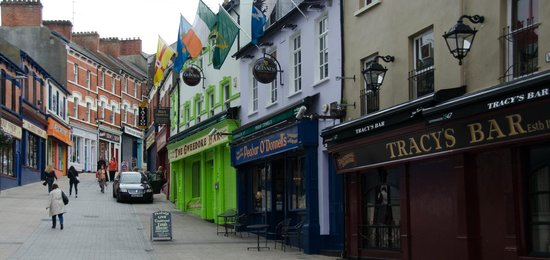 Bogside History Tours: Street with Pubs