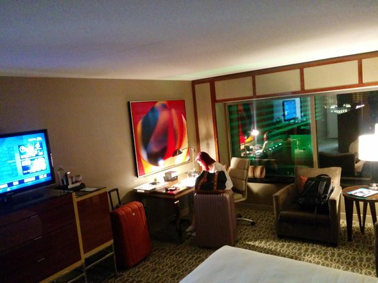MGM Grand Hotel and Casino: StayWell King room