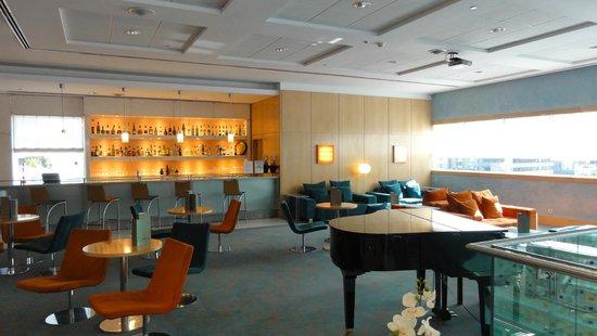 SANA Malhoa Hotel: BAR