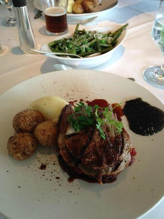 Aghadoe Heights Hotel & Spa: wonderful lamb roast