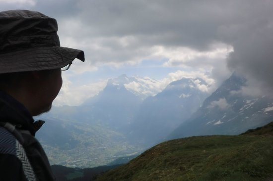 Гриндельвальд, Швейцария: アイガー、メンヒ、ユングフラウの山並み