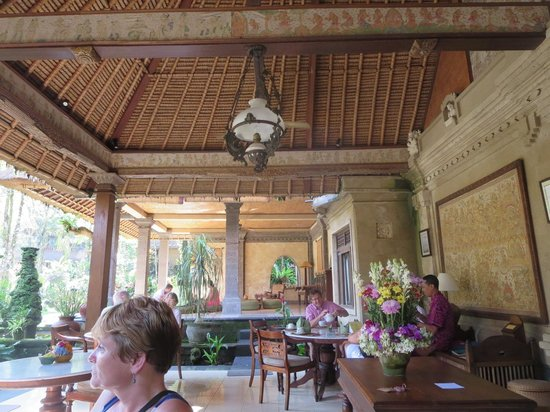 Alam Indah : Dining/lounge area