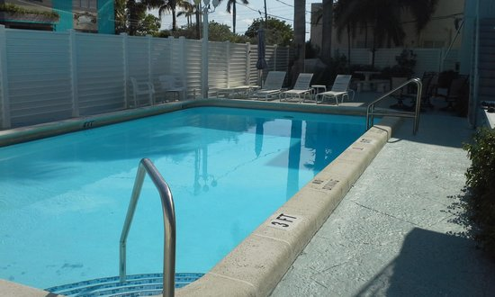 The Mint: Love the pool