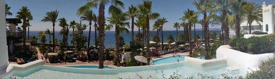 H10 Estepona Palace: Le piscine