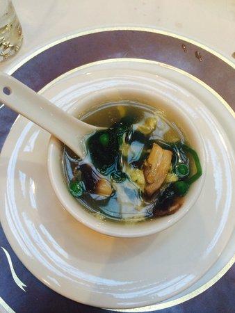 Kirin Mandarin Restaurant: Egg Swirl Soup