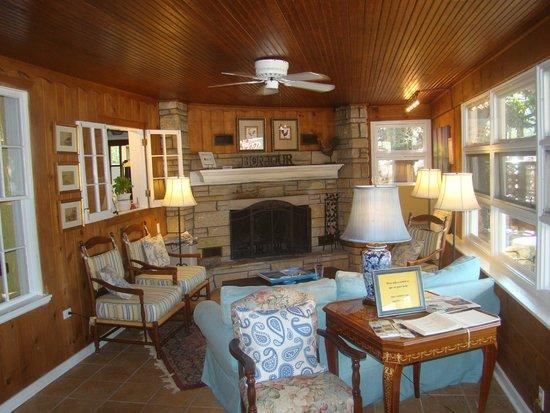 Glen Arbor Bed and Breakfast: Glen Arbor B & B guests' lounge