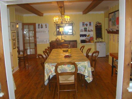 Glen Arbor Bed and Breakfast: Geln Arbor B & B dining room