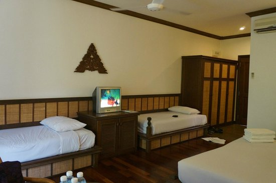 Laguna Redang Island Resort: The well appointed room ... sleeps four comfotably