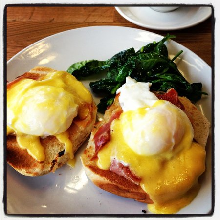 Kennedy's Food Store: Brunch at the weekends til 1pm