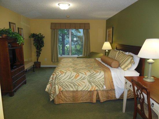 McGaheysville, VA: Master Bedroom