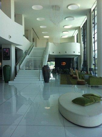 Melia Braga Hotel & Spa: Hall