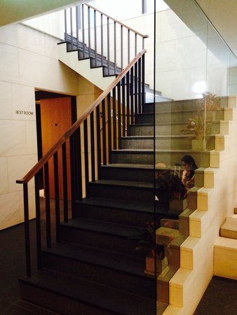 Hotel ShinShin: Stairs to the front door.