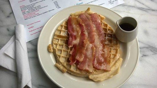 Smokey Joe's Coffee Bar: Smoked Bacon & Canadian Maple Syrup Waffle