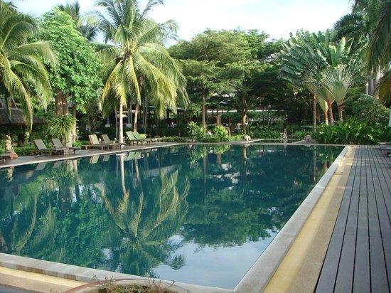 Royal River Kwai Resort & Spa : Pool