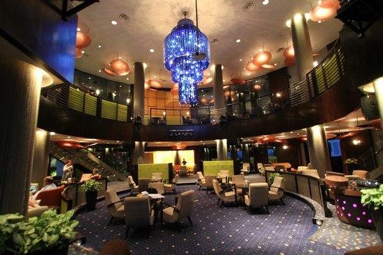 Sheraton Saigon Hotel & Towers: 23rd floor lounge