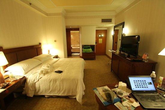 Sheraton Saigon Hotel & Towers: Bedroom