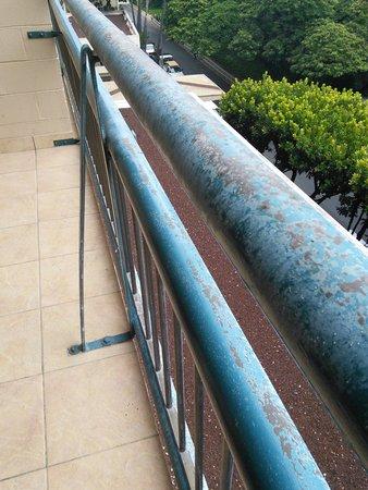 Hilton Hawaiian Village Waikiki Beach Resort: railing