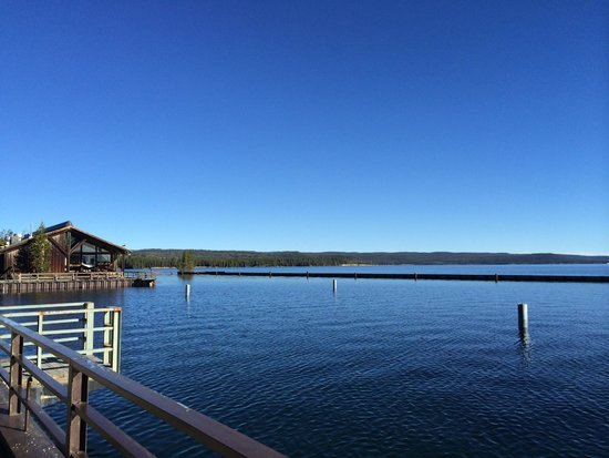 Grant Village Lodge : Overview of the Lake Yellowstone