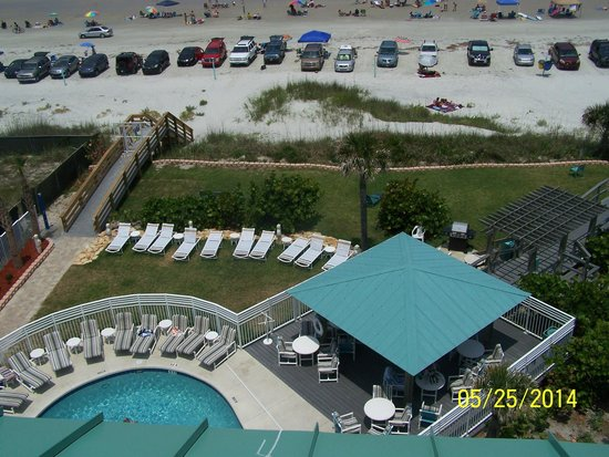 Coconut Palms Beach Resort 1 : Pool Deck and Beach Walkover