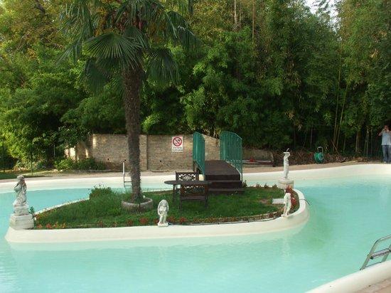 """Villa Quiete : """"la piscina"""""""