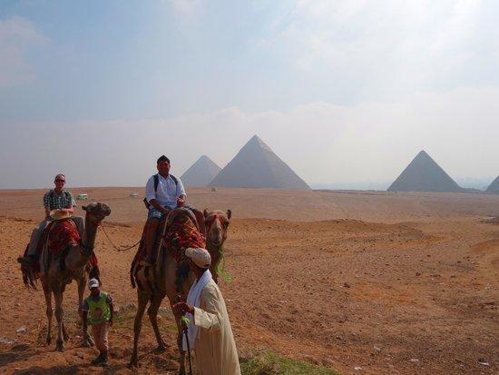 Memphis Tours: Camel ride through the Giza pyramid complex