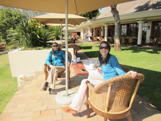 Ilala Lodge: dining on the patio