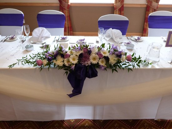 Macdonald Hill Valley Hotel, Golf & Spa: Lovely Top Table done by Dawn - Decor Events