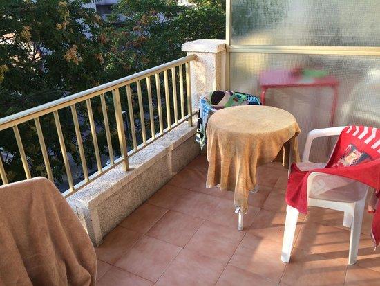 Salou Pacific: La petite terrasse est plutôt sympa, vu le prix !