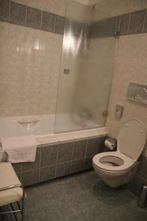 Hotel Pod Vezi: Bathroom