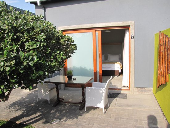 """Organic Square Guesthouse: """"Unsere Terrasse"""""""