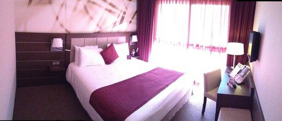 Mercure Hotel Omaha Beach: Room