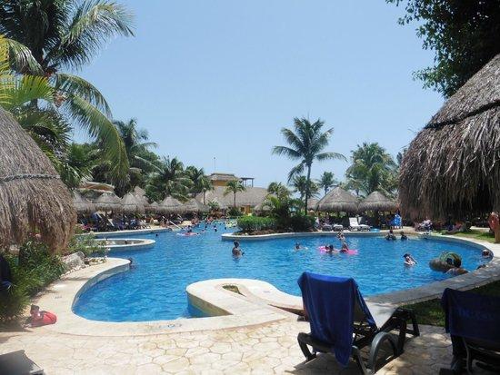 Iberostar Tucan Hotel : Piscina