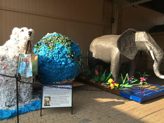 Cleveland Metroparks Zoo: Trash to Treasure sculptures