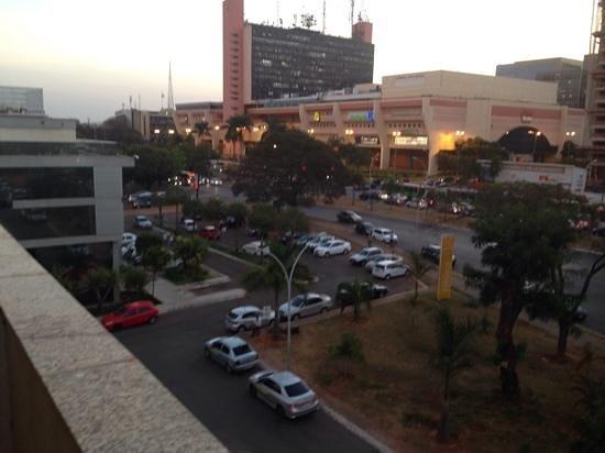 Brasilia Imperial Hotel e Eventos : vista da varanda do quarto